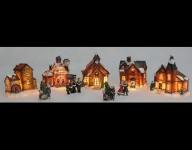 VÁNOČNÍ KERAMICKÁ VESNIČKA svítící 5 domečků + 4 figurky